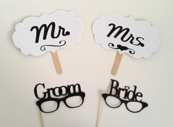 SALE Mrs and Mrs Photo Booth Props Signs and Glasses Set Wedding Photo Props Wedding Day Props Photobooth Props Mrs and Mrs Glasses Sign