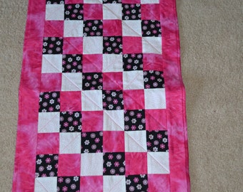 Baby Changing Pad/Doll Quilt (105)