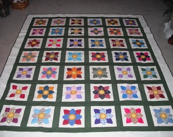 Queen Dahlia Delight Appliqued Quilt