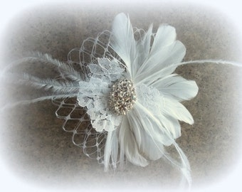 Wedding Hair Clip, Bridal Fascinator, White, Ivory, Champagne, Bridal Hair Clip, Feather Fascinator, Feather Hair Clip, Womens Hair Clip