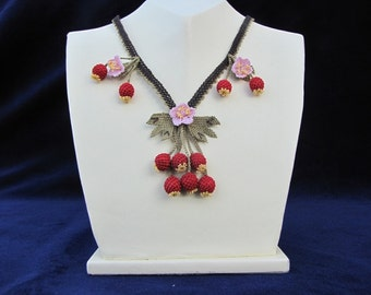 crochet necklace,red necklace,red berry necklace,Fruits Necklacei,cherry necklace,coral red necklace,statement necklace,bridal necklace