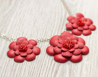 Necklace with red leather flowers,  leather jewelry, floral necklace, Ethnic necklace, boho tribal necklace, gift for her