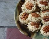 Recipe for Vegan Raw Hemp Coconut Macaroons