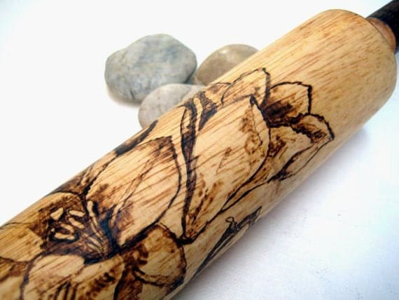 Rolling pin with pyrography art -Roll some Lilies in your dough -Personalizable gift for Mom or Dad