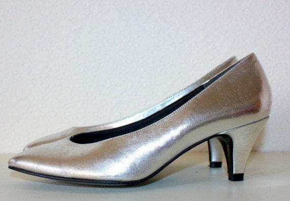1980's Silver Pumps Metallic Vintage Retro Low Heels by Retromomo
