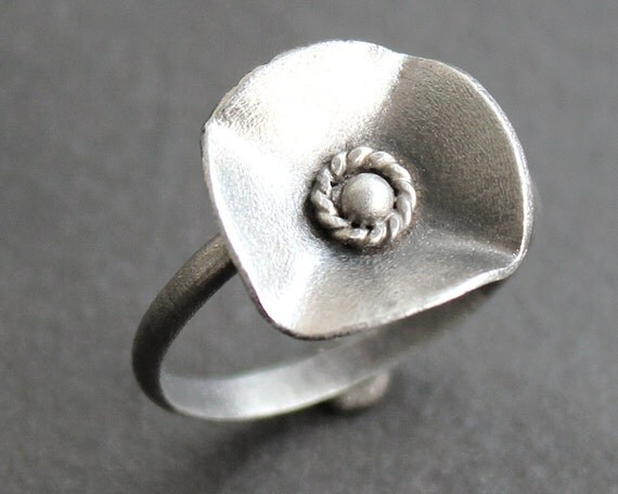 Poppy Ring - Sterling Silver and Fine Silver Flower Ring - READY TO SHIP (Size 7.5)