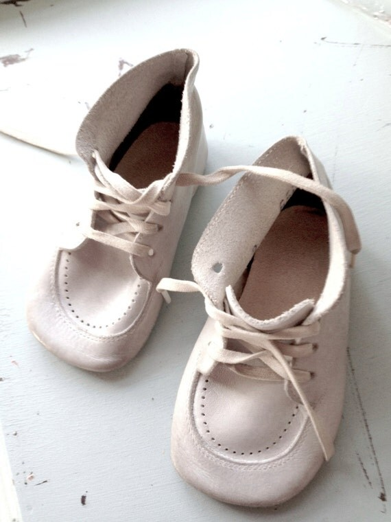 Vintage Baby Shoes Child White Leather Laces Pair