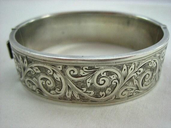 Vintage Birmingham Sterling Silver Bangle Bracelet  .....2644