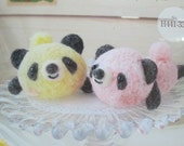 Sales Item Hamanaka Felt Wool Needle Felting Craft Kit - Yellow Panda & Baby Pink Panda