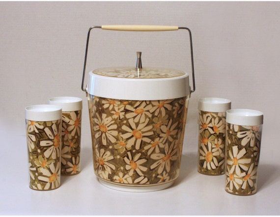 Vintage Daisy Ice Bucket and Set of 4 Cups by West Bend - SALE - circa 1960's
