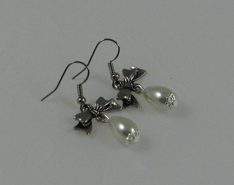 Ribbons and Bows Earrings