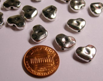 20 pcs -  silver hammered heart beads - NAZ50