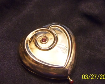 Estee Lauder Vintage Compact,  Heart Compact, Gold Tone Heart Compact, Designer Compact