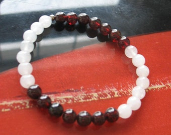 Snow Quartz and Garnet Stretch Bracelet - Free Shipping