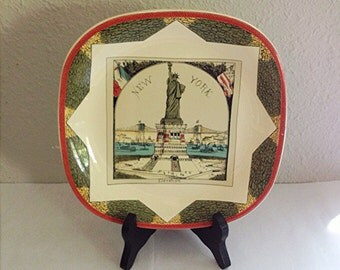Statue of Liberty MMA Plate, New York Harbor, Very  Unusual and Lovely