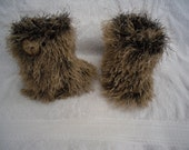 Knitting pattern, Furry booties, handknitting, boots, snow boots, pre walkers, bootees,  3 sizes included, PDF Download. 0-3m 3-6m 6-9m