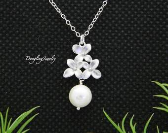 Cherry Blossom Necklace, Pearl Necklace, Bridesmaid Gifts, Wedding Jewelry, Mother's Jewelry, Bridal Necklace, Bridesmaid Necklace