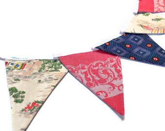 SALE Retro Bunting featuring Vintage fabric circa 50s, French flower market scene
