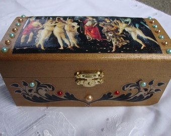 La Primavera Accessories Box (Spring Italy Renaissance Venus)
