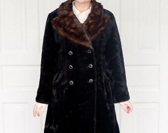 1960s Black Velvet Swing Coat with Fur Collar M/L