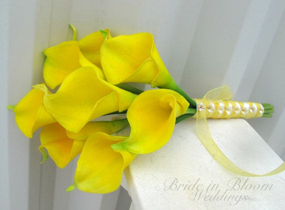 yellow calla lily wedding bouquet calla wedding bouquet yellow real by brideinbloomweddings 1514