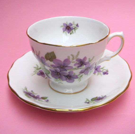 Vintage Violet Flower Royal Vale China Teacup - Pansy Easter Tea Party Cup Porcelain Floral Wildflower Soft Lilac Purple Snow White
