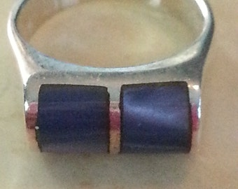 Vintage Sterling Silver and Mother of Pearl or Polished Shell Blue Ring Ladies 1980