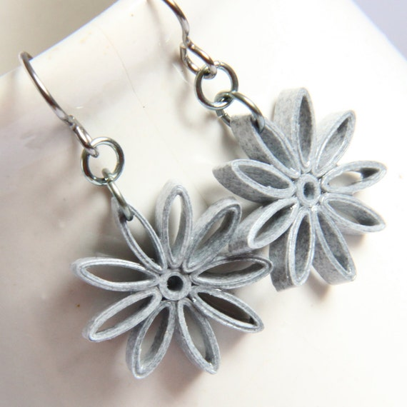 CIJ 30% off Grey Star Earrings Nine Pointed Paper Quilling Niobium Earring Eco Friendly Earrings hypoallergenic