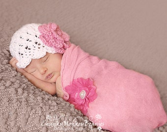 NEWBORN Baby Girl Hat, Crochet Flapper Hat, White with Rose Pink Flower. Handmade Hat. Great for Photo Props. Baby Shower Gift.