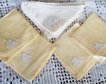 VINTAGE Linen NAPKINS,  Handmade DRAWNWORK, Hemstitching, Applique, 4 Yellow, 4 Ecru &18 Old Paper,  Box incl.