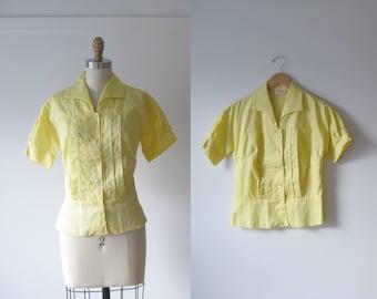 SALE vintage 1960s blouse / 60s blouse / Daffodil Field