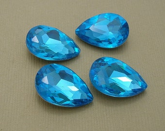 4pcs- Vintage Glass Jewels Aquamarine Pear Teardrop 14x10mm
