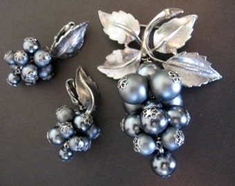 Vintage Beaded Jewelry Set - Grey Faux Pearl Brooch & Earring Set Dangling Grapevines