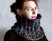 PDF Hand Knitting Pattern Cowl Single Hank Super Bulky 'Masquerade'