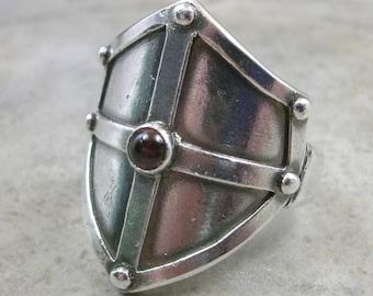 Medieval Shield Ring Fine Silver- Renaissance Jewelry- Medieval Shield Ring- Stone Ring- Medieval Jewellery- Cabochon Ring- Ren Faire Garb
