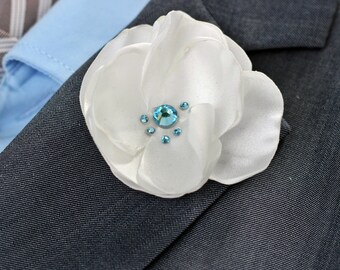 White wedding boutonniere, Lapel pin, lapel flower, grooms wedding boutonniere, elegant lapel flower, white lapel flower, lapel flower pin,