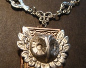 Victorian Style Feathered Owl Head Steampunk Locket Necklace (794)