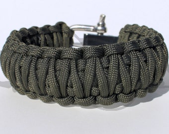 One Color King Cobra 550 Paracord Survival Strap Bracelet w/ Stainless Steel Shackle