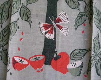 Emily. Vtg linen Leacock kitchen towel, apples and butterflies. Excellent condition.