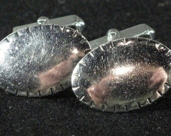 Cuff Links - 1980's Oval Silver Tone with Scored Edges by SWANK
