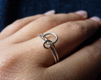 Single Knot Sterling Silver Ring