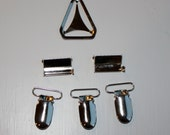 Suspender kit - Suspender clips, leg adjusters and triangle