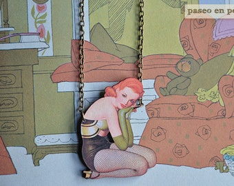 A glamorous Pin Up necklace