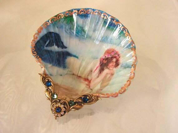 Sun Bathing Mermaid Shell Jewelry Dish