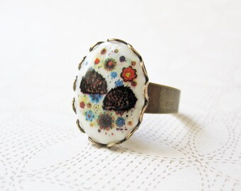 Hedgehog Ring - Nature Inspired Jewelry - Hedge Hog - Vintage Cabochon - Animal Ring