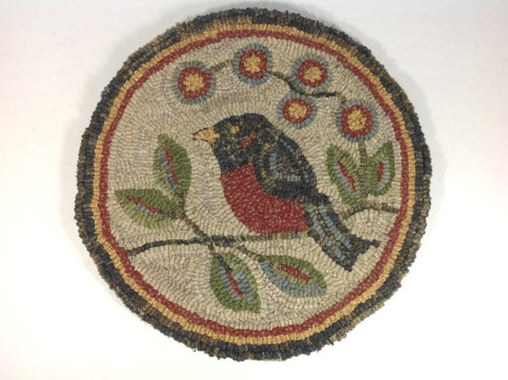 "Rug Hooking PATTERN, Red Robin Chair Pad or Table Mat, 14"" Round, J761"