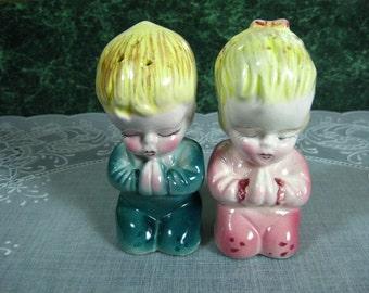 Praying Boy & Girl Salt and Pepper Shaker Set - Praying Boy and Girl Shakers - Salt and Pepper Shakers - Salt and Pepper Shakers Japan