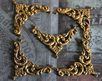 1 Vintage Brass Jewelry Finding