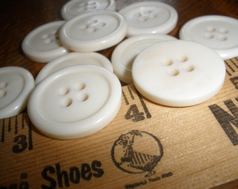 """Cool Cream Vintage Buttons 10 Plastic 7/8"""" (22MM) Size 36L ivory white 4 hole sew-on sewing crafts"""