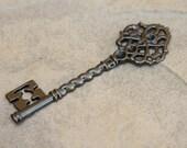 Gunmetal Skeleton Key Charm - 10 Pieces